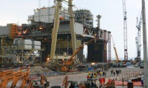 Petrobras avalia construção de plataformas na Ásia